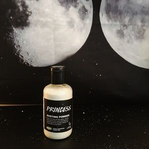 lush // 'princess' dusting powder